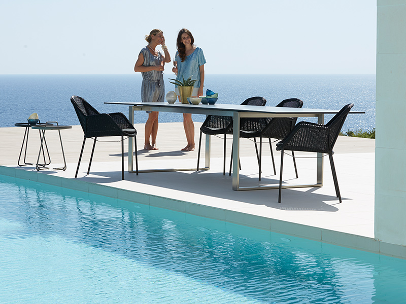 cane line breeze gartenstuhl schwarz stapelbar gartenm bel hamburg shop. Black Bedroom Furniture Sets. Home Design Ideas