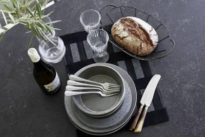 Cane-line Drop Esstisch mit Tischplatte Black 90 x 150 cm, Light Grey